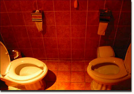duelling-commodes.jpg