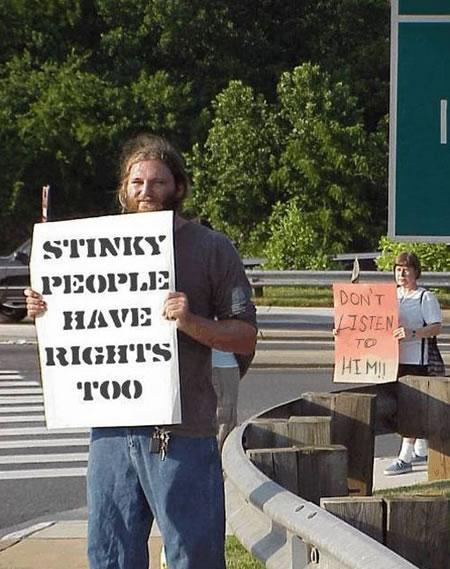stinky-people_Moonbattery 090526