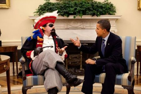 Obama Negotiates with Pirates_Daily Mixed 090520