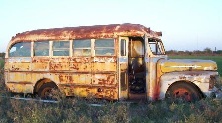 1953-short-Ford-Bus-right-side