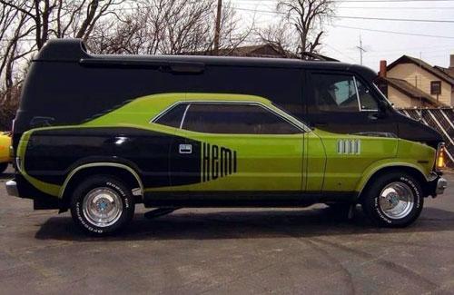 Babe Magnet Hemi-Van