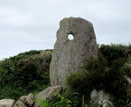 ballyroon-holed-stone