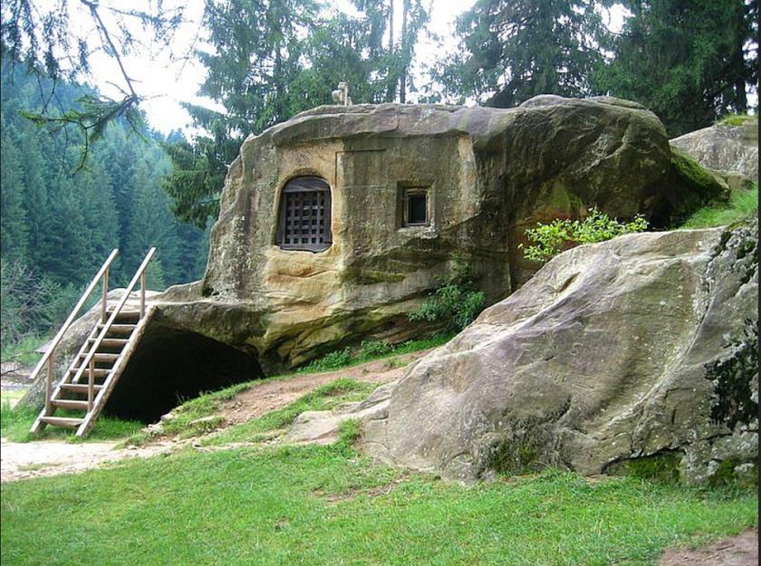 Daniil Sihastrul House of Rock 1