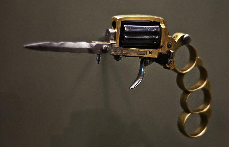 apache-revolver-2