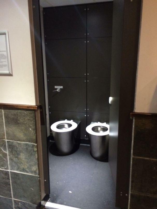 Restroom design fails tacky raccoons for Bathroom design fails