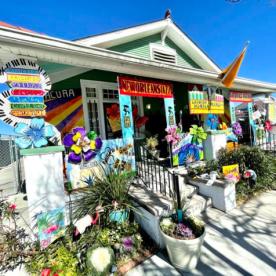 Mardi Gras Float House 7